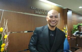 Deddy Corbuzier Salahkan Tukang Pintu dalam Kasus Vicky Prasetyo vs Angel Lelga