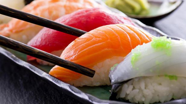 Sushi shock, mangia salmone crudo poi la scoperta Horror