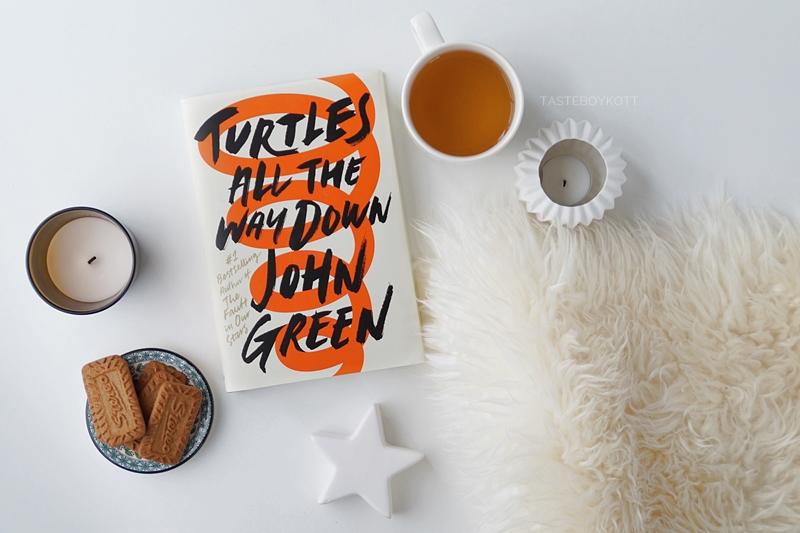 Turtles All The Way Down von John Green. Buch-Geschenkidee für Weihnachten. Dezember Favoriten Tasteboykott.