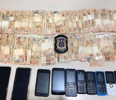 Três chilenos são presos na BA suspeitos de furtar loja; polícia acha R$ 11 mil com trio