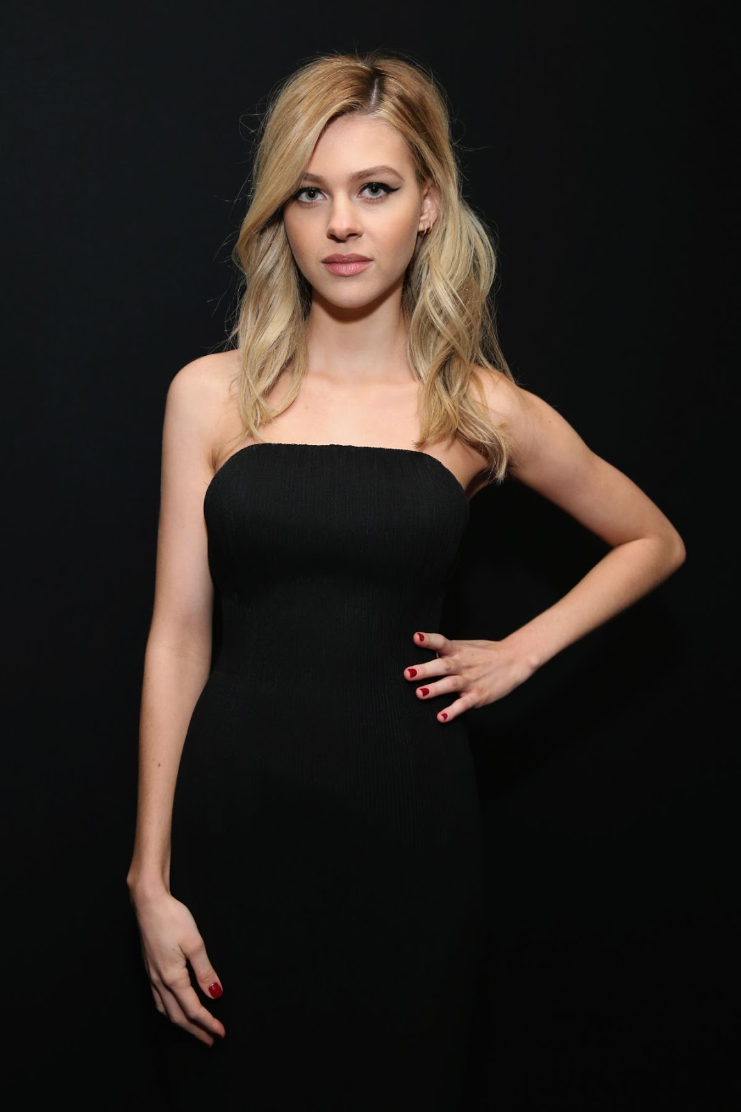 Transformers actress Nicola Peltz Full HD Photos & Wallpapers