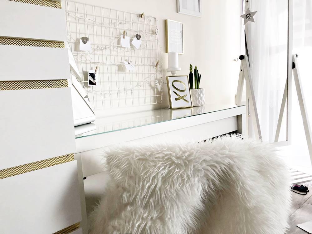 biała toaletka zdjęcia