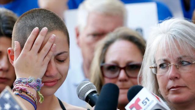 Sobrevivientes de tiroteo de Florida reclaman control de armas