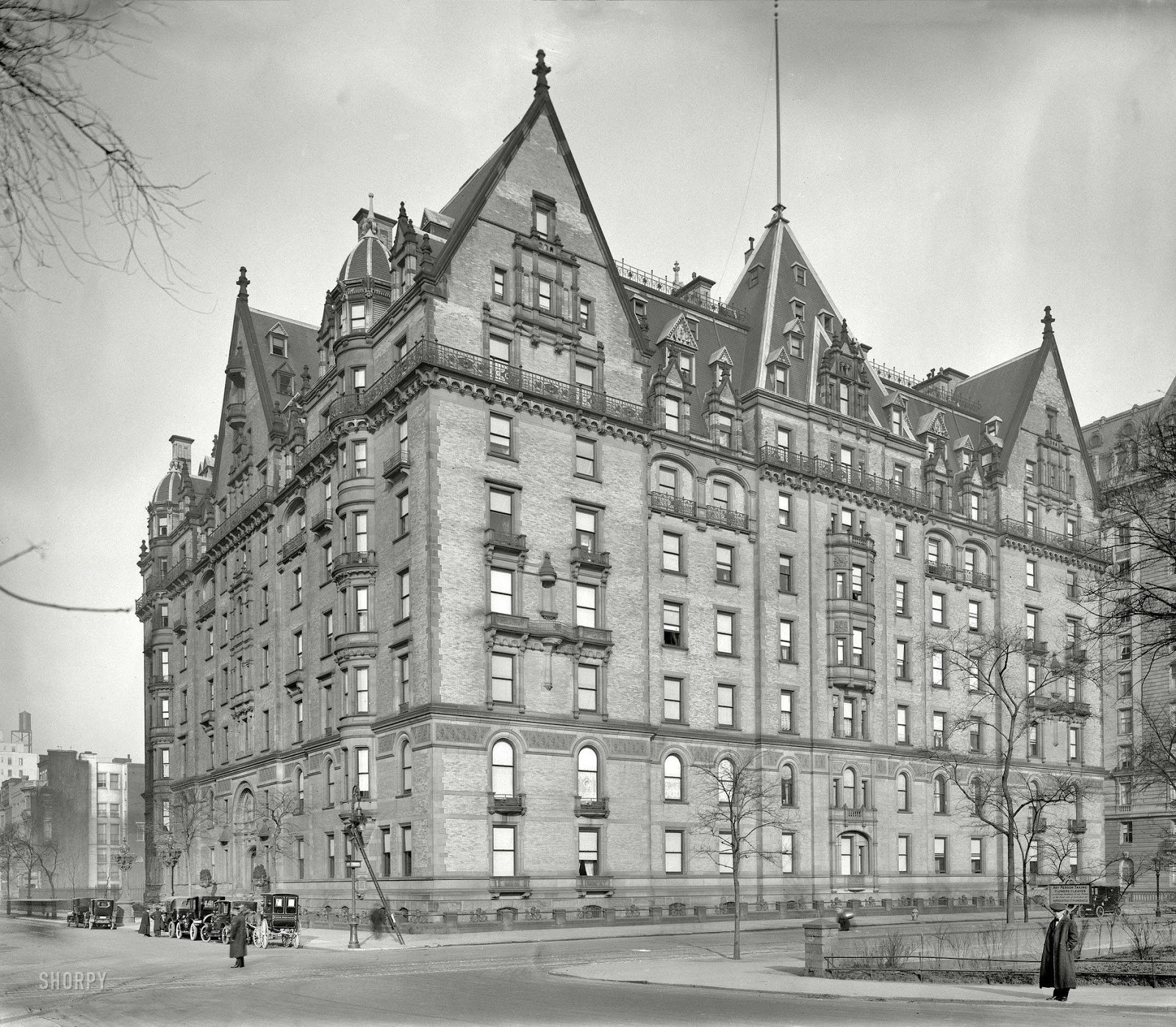 Old New York Apartments: 15 Crazy Facts About The Dakota That You May Not Have