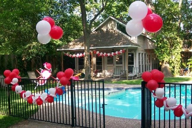 decorar con globos hacer arreglos con globos cmo decorar la piscina para una fiesta with ideas para fiestas de cumpleaos en casa