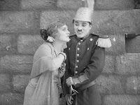 """Эдна Первайэнс и Чарли Чаплин в к/ф """"Пародия на Кармен"""" / Burlesque on Carmen (1916) - 1"""