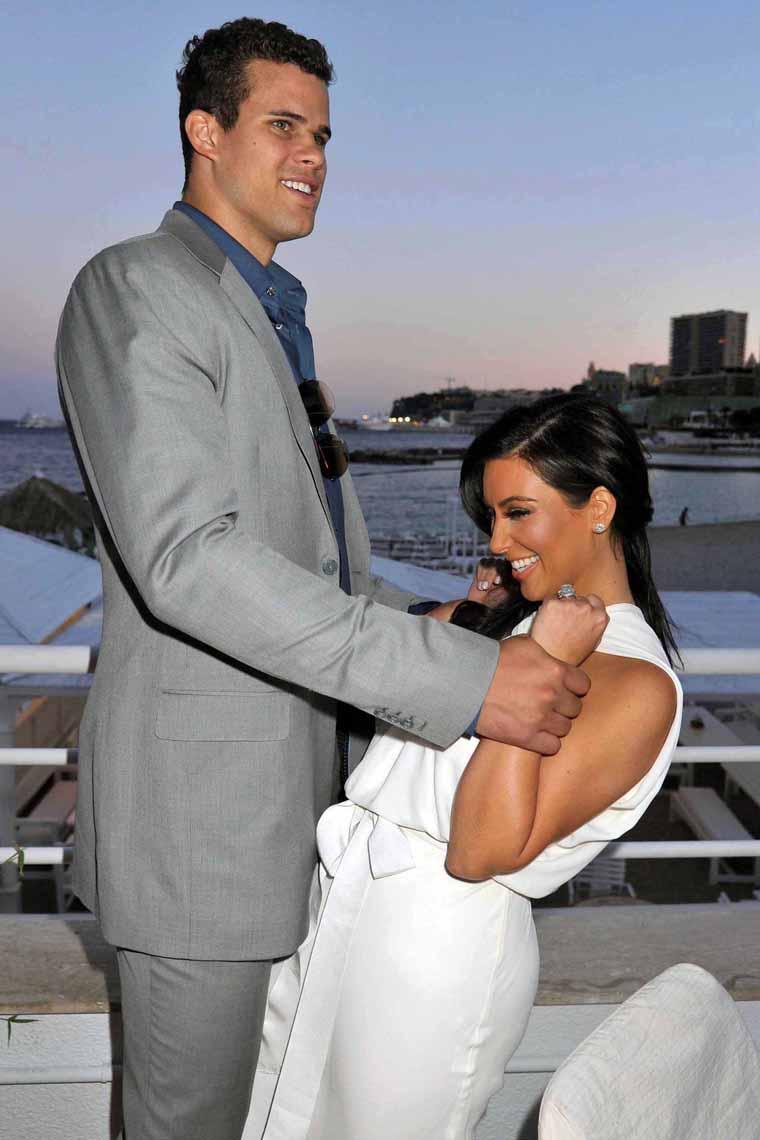Kris Kardashian Sexy Pics