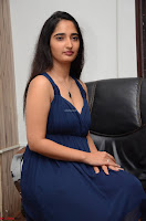 Radhika Mehrotra in a Deep neck Sleeveless Blue Dress at Mirchi Music Awards South 2017 ~  Exclusive Celebrities Galleries 127.jpg