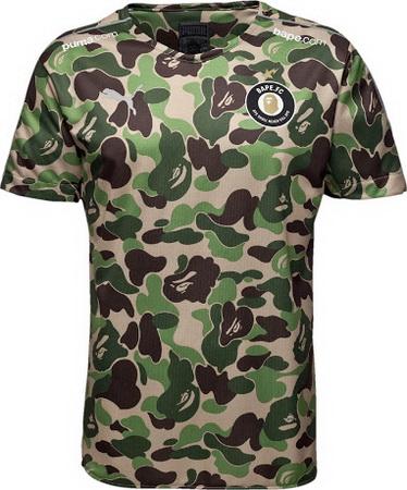 531621e0182b6 En la parte posterior bajo la moderna Puma replicas camisetas futbol BAPE  Replica es de nuevo el logo BAPE FC.
