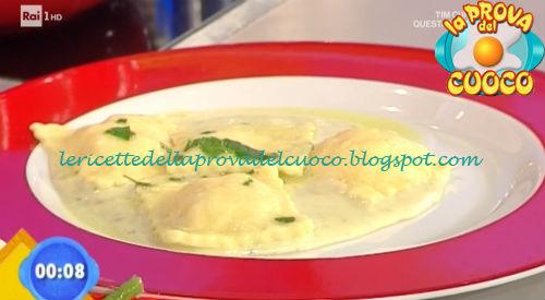 Ravioli ai formaggi con salsa al bluestilton ricetta Zoppolatti da Prova del Cuoco