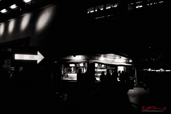 Arrow & ice cream - Vivid Sydney in black and white photography