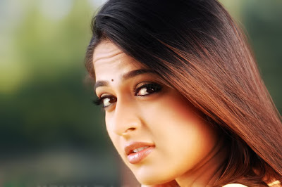 101 Anushka Shetty HD Wallpaper