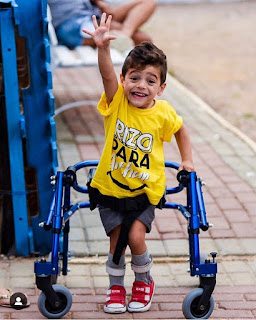 Corrida arrecada fundos para cirurgia de menino com paralisia cerebral