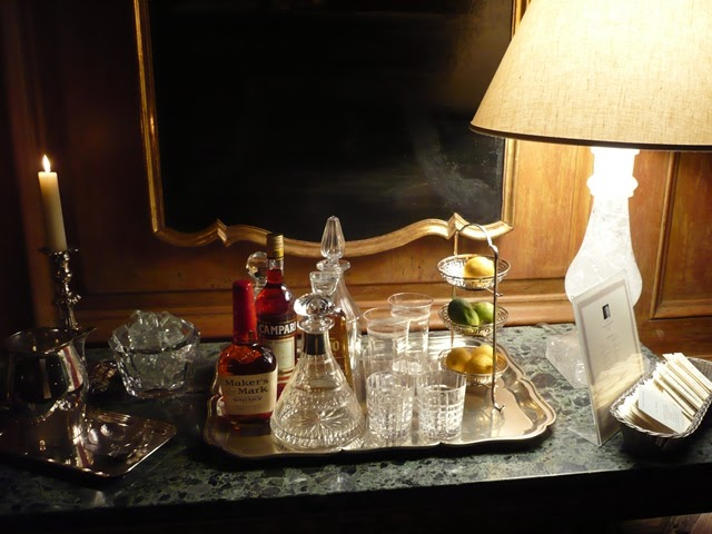 The Peak Of Chic 174 Drinks Trays At Greystone