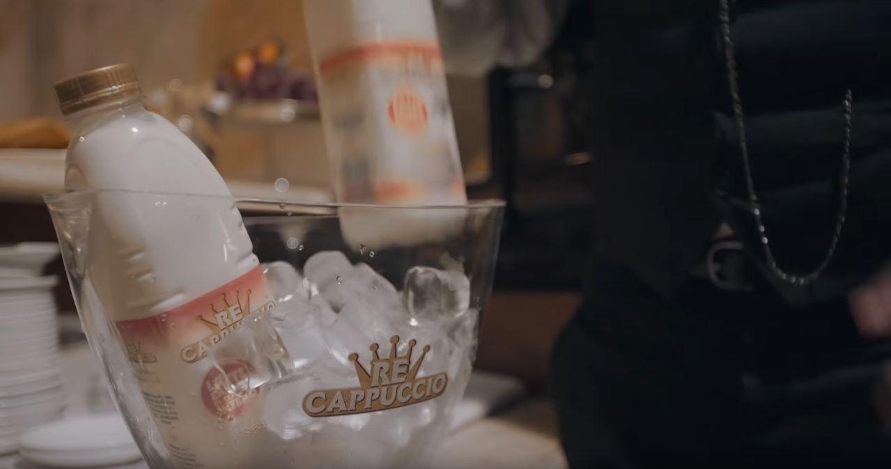 Pubblicità ReCappuccio Centrale di latte Brescia - Musica spot Latte regale per cappuccino