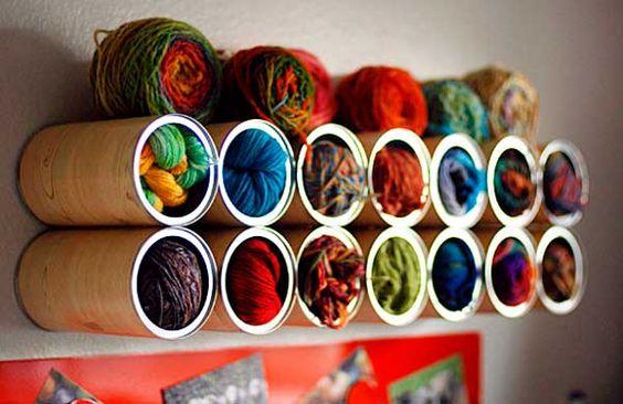 Porta-novelos de lã de latas