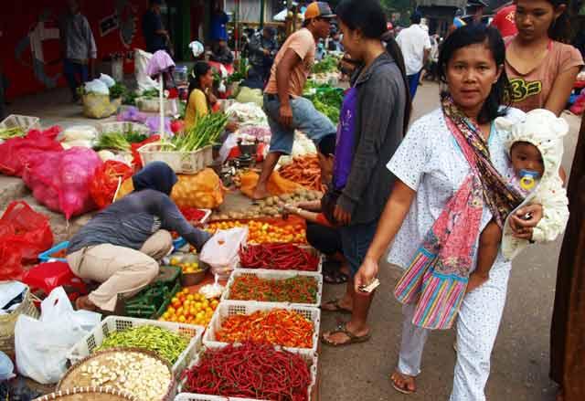 Janji politik Walikota Banjarbaru Nadji Adhani dan Wakil Walikota Banjarbaru Darmawan Jaya Setiawan saat kampanye Pilkada 2015 tampaknya butuh kerja keras. Sebab, untuk merealisasikan janji memindahkan pasar Bauntung Banjarbaru, Pemko Banjarbaru membutuhkan dana tak kurang dari Rp100 miliar.
