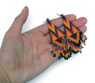 Купить длинные яркие серьги из бисера в этно-стиле. Бохо-украшения из бисера купить в интернет-магазине.