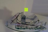 von oben: KROLLMANN hochwertige Eck Badablage mit Glasboden und Reling