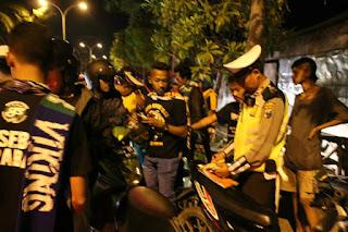 Polres Bojonegoro Tindak 225 Supporter Pelanggar Lalu Lintas.