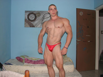 Muscle Addicts Inc Bodybuilders Posing At Home Part 8