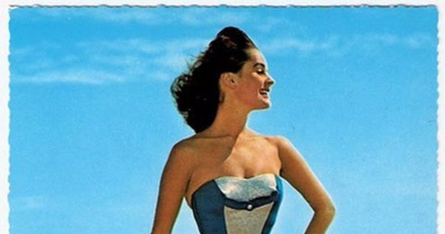 69 Glamorous Postcards Show Women Swimsuits in the 1940s and '50s