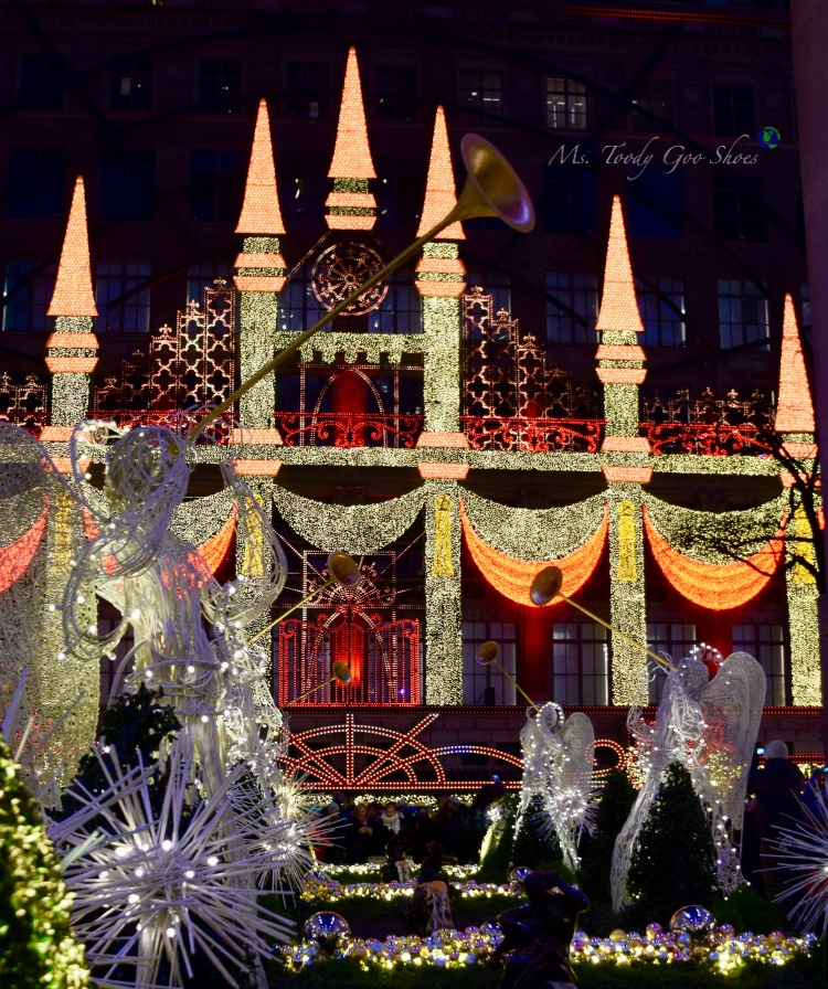 Saks Fifth Avenue Holiday Light Show - One of 10 Must- See Holiday Sights in Midtown, New York City | Ms. Toody Goo Shoes