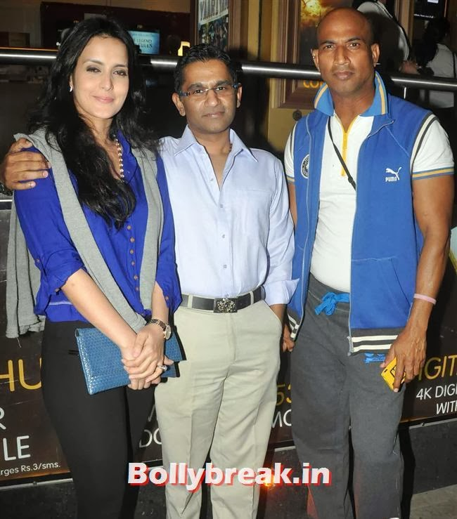 Tulip Joshi, Salman Visits Being Human Store with his Girls - Daisy, Sana & Sangeeta