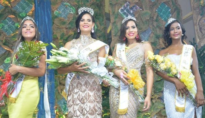 Escogen a la señorita Raydily Rosario como nueva reina Santa Ana 2019