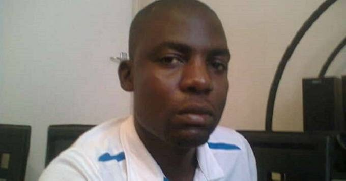 SECURITY GUARD STEALS R30 000, FLEES