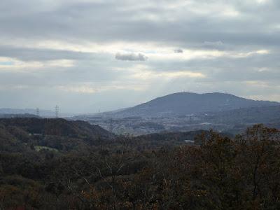 くろんど園地 展望台からの眺望 生駒の山並