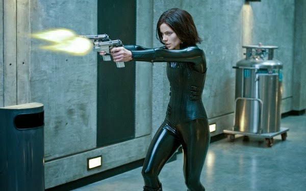 http://photofun4u.com/sexy-women-action-heroes