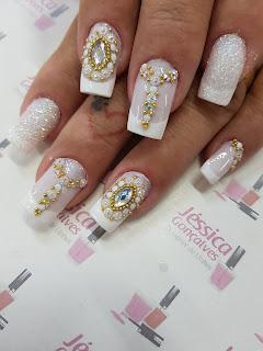 Imagens de unhas decoradas com pedras