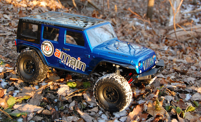 Axial SCX10 II scale crawling