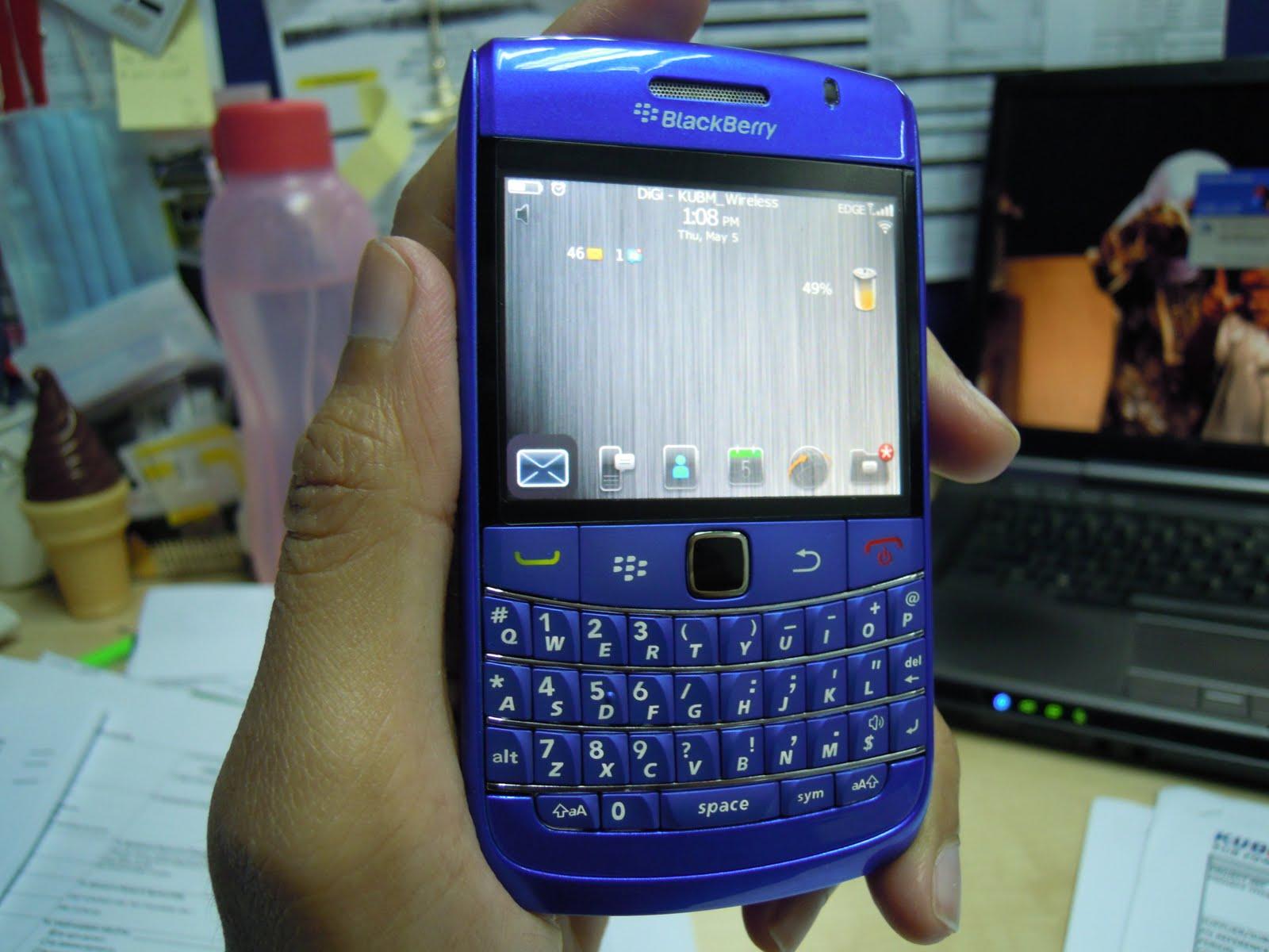 YuJiTo Accessories: Blackberry Bold 9700 Housing- Dark Blue