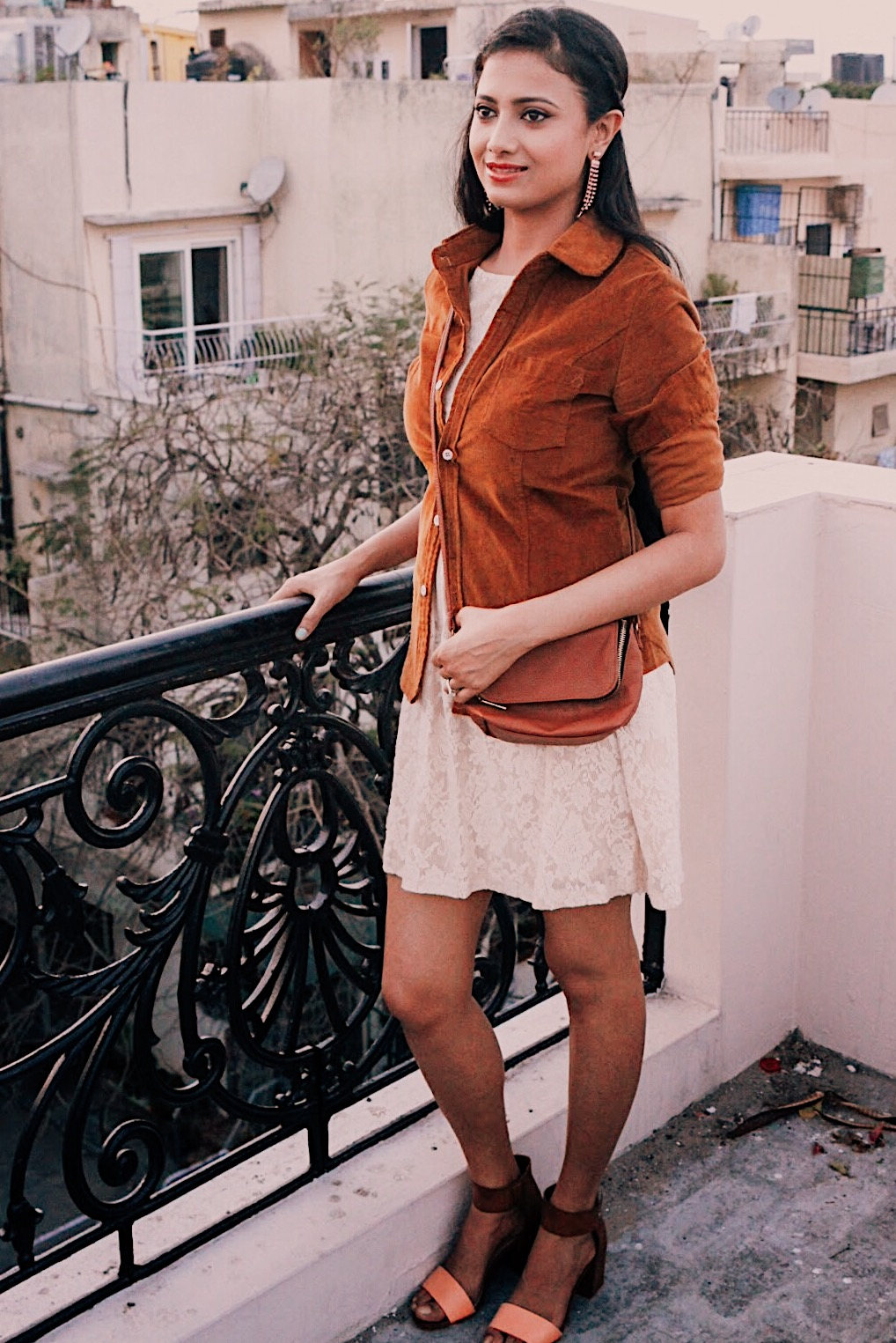 peach and brown, colours with nude, lace zara dress, indian blogger, indian fashion blogger, british blog, indian lifestyle blog, uk blogger, summer outfit, chic outfit, block heels, how to wear nude dress