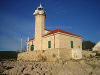 Svjetionik Rt Ražanj, Milna, otok Brač slike