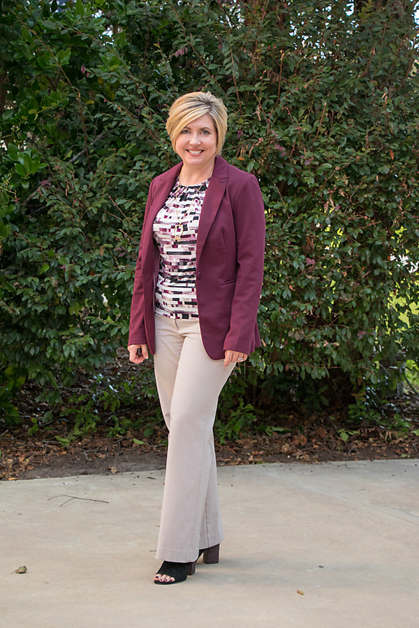 fall work wear, summer to fall transition, burgundy blazer, womens fall office attire