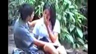 คลิป18+ แอบถ่ายนักศึกษาหนุ่มสาวลักลอบพลอดรักลักเย่อกันริมน้ำตก เสียงไทย