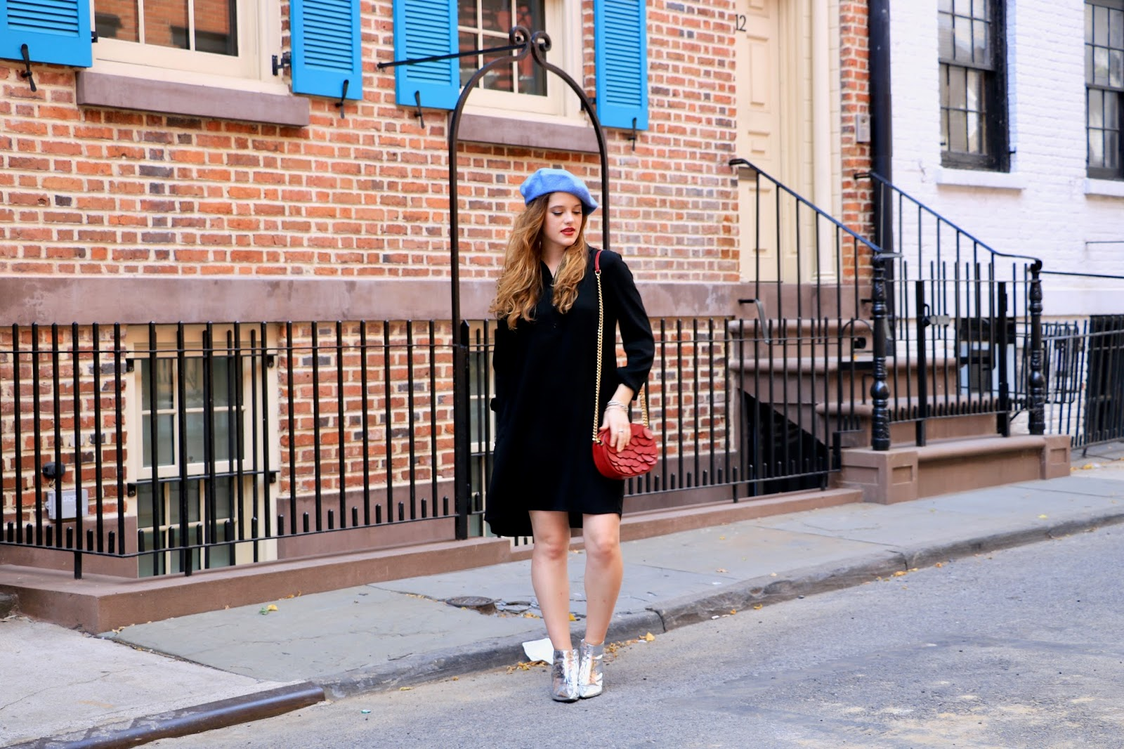 Fashion blogger Kathleen Harper showing off NYC fall outfits