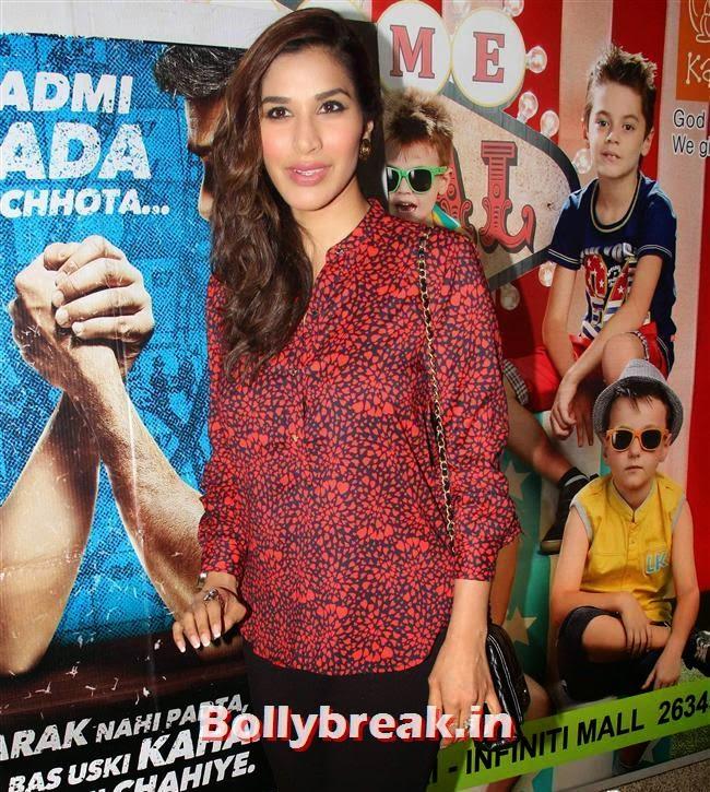 Sophie Choudhary, Shilpa Shetty, Bipasha Basu at Dishkiyaoon Premiere