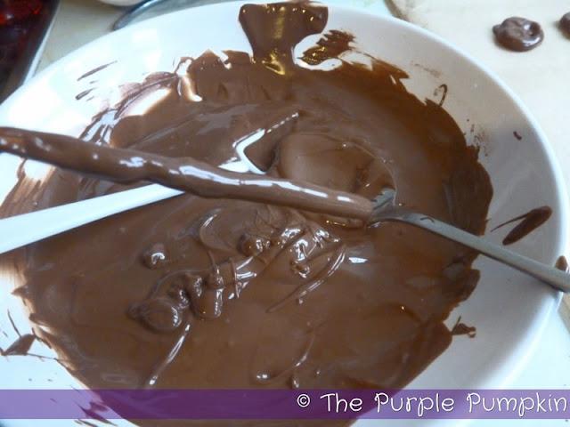 Chocolate Covered Pretzels | The Purple Pumpkin Blog