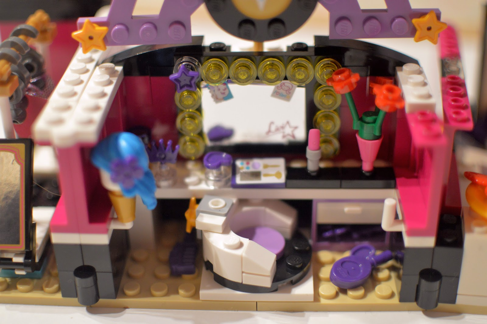 , LEGO Friends Pop Star Dressing Room Review 41104