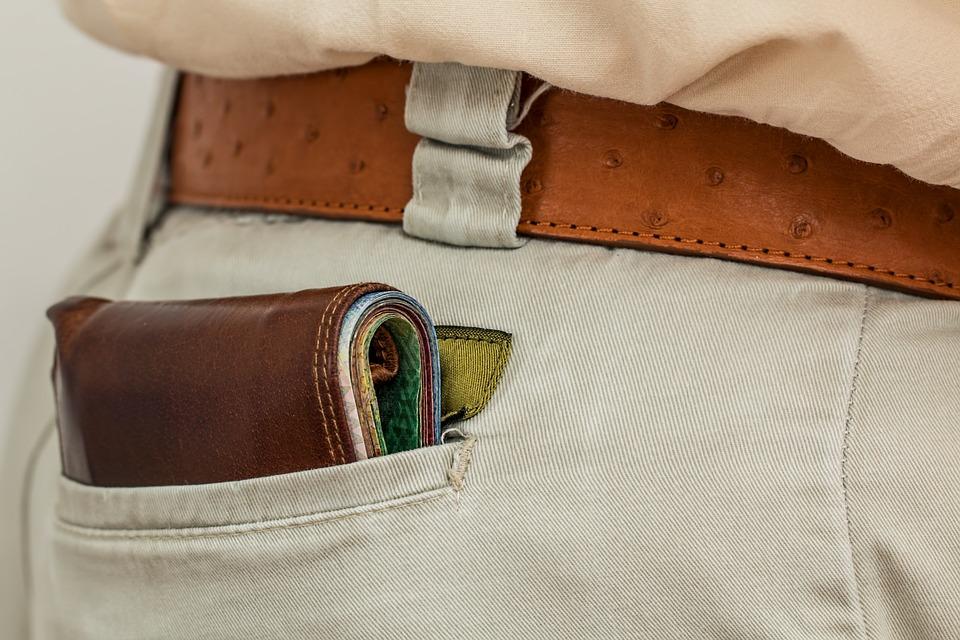 5 Essentials Accessories for Men