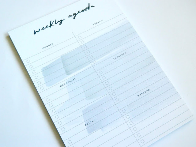 Old English Company- Weekly Agenda Notepad