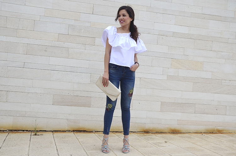 white-top-frill-volante-embroidered-jeans-sandals-trends-gallery