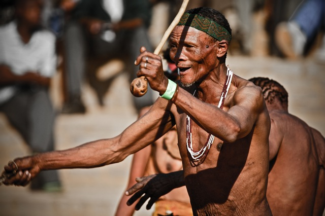 IMG 5953lies+aangepast+LR2012 San Bushmen People, The World Most Ancient Race People In Africa