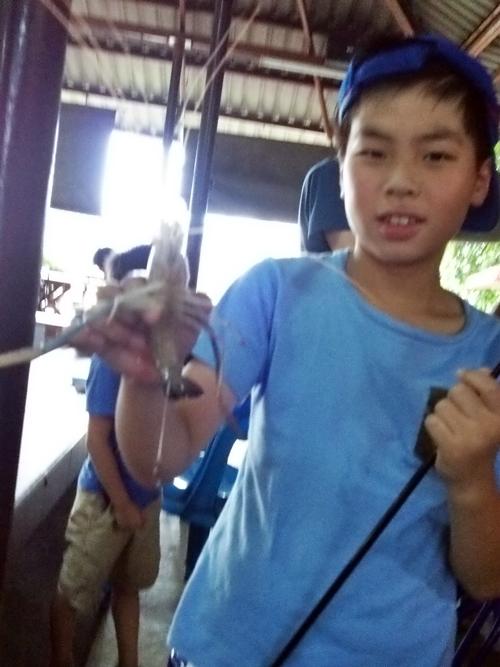 Prawn_Fishing_in_Bangkok_2017 今年もまたバンコクで鬼手長エビ釣り・夏休みの自由研究の題材に!