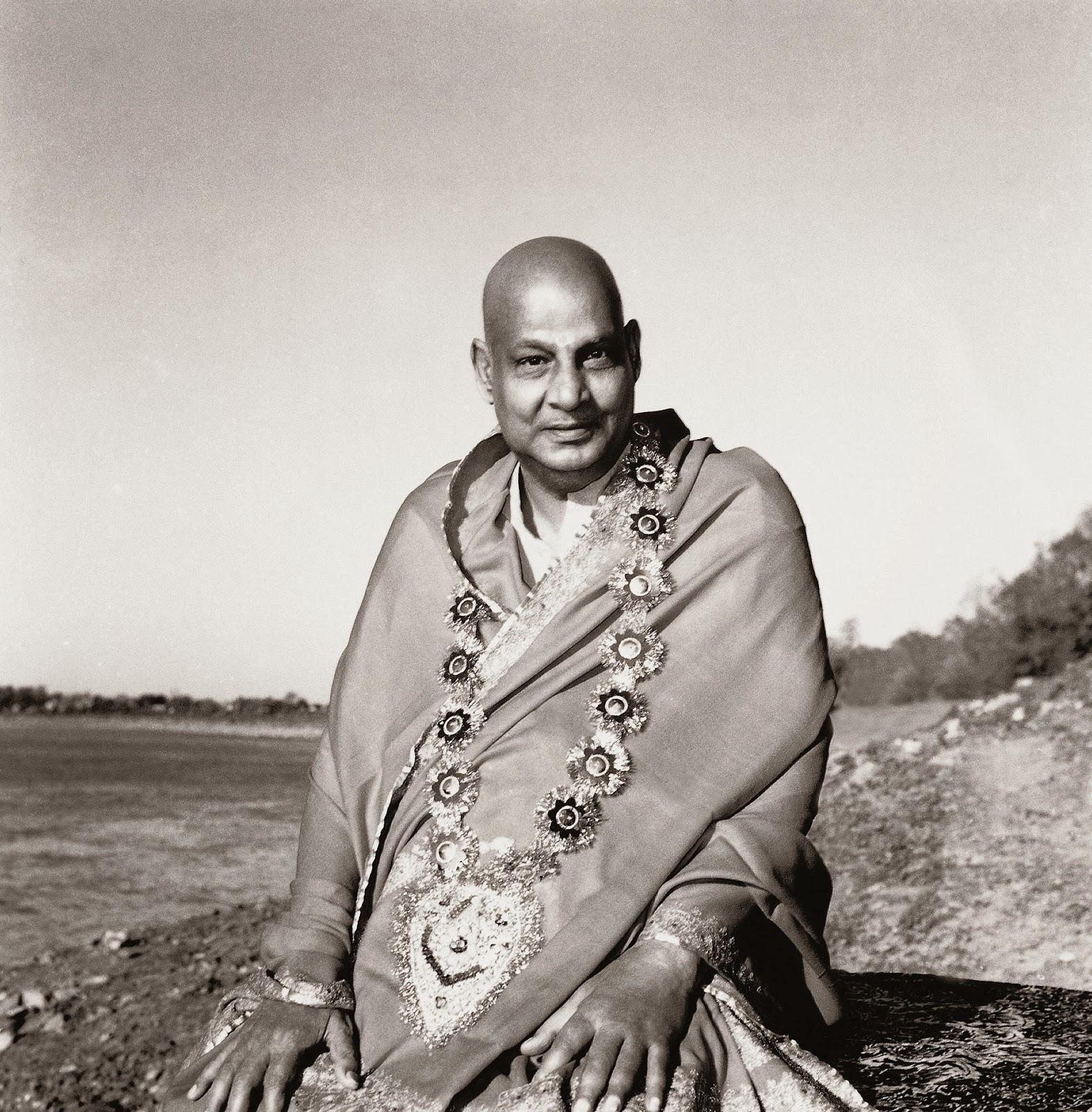 Conciencia Yoga  El yoga según Sri Swami Sivananda 344b1e22a325