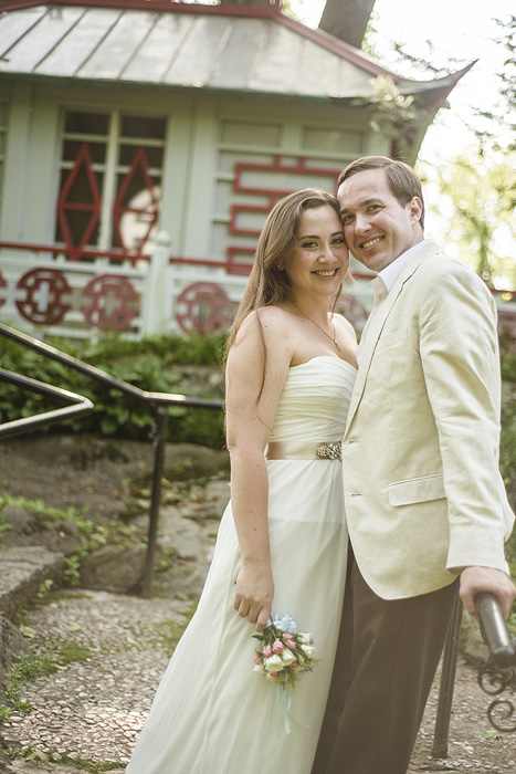 Wedding portrait at the Glen Burnie House in Winchester